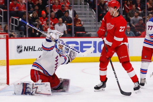 Great Goalie Battle V17.3 Unsurprisingly Ends in One-Goal Game: Red Wings Win 3-2 in Overtime