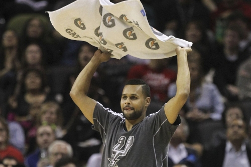 Open Thread: Who's the Better Towel Waver, Patty Mills or Chimezie Metu?