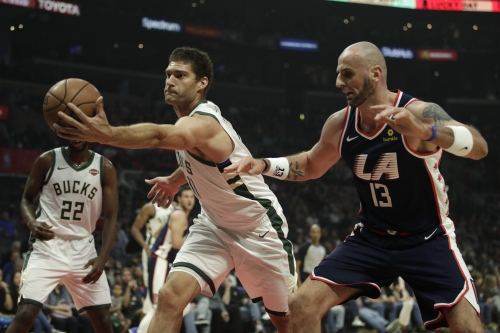 Clippers outlast Bucks in overtime