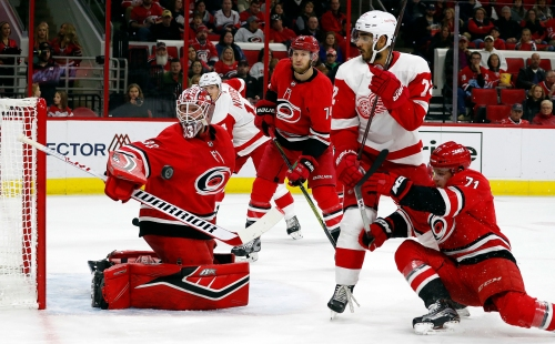 Surging Detroit Red Wings stop Hurricanes with rally, 4-3 SO win
