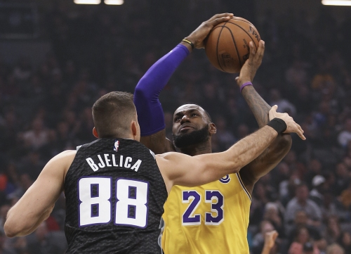 Lakers win in Sacramento for fourth victory in last five games