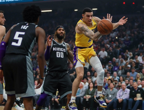 Lakers Injury News: Lonzo Ball Aggravated Ankle In Win Against Kings But Intends To Play Vs. Hawks
