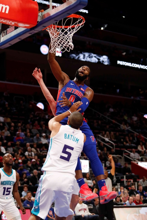 Blake Griffin ejected, Detroit Pistons blitzed by Hornets, 113-103