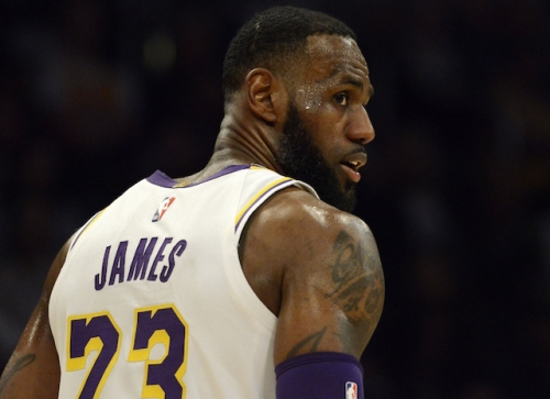 LeBron James Misses 2 Free Throws But Tip-Dunk And Tyson Chandler's Block Give Lakers Win Over Hawks