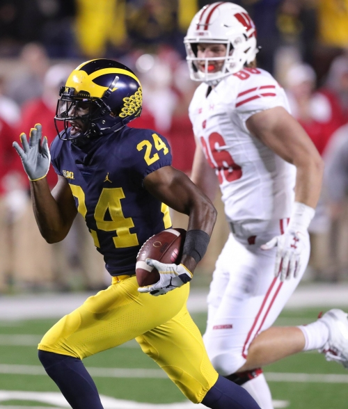 Michigan football's Lavert Hill is in concussion protocol