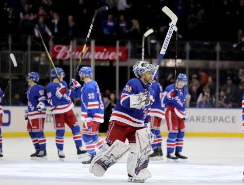 Rangers' Lundqvist reaches milestone in win over Canucks