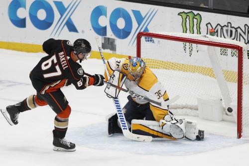 Ducks shoot down Predators behind Rickard Rakell's decisive goal