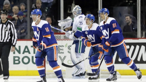 Canucks undone by sloppy minute in loss to Islanders