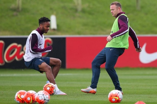 Manchester United icon Wayne Rooney on 'superstar' Raheem Sterling