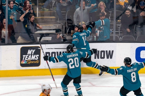 Quick Bites: Sharks win rollercoaster game against Predators