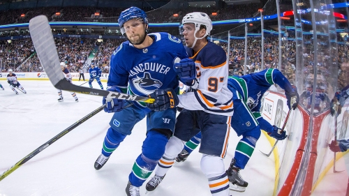 Agent: Alex Edler intends to play for Canucks beyond current contract