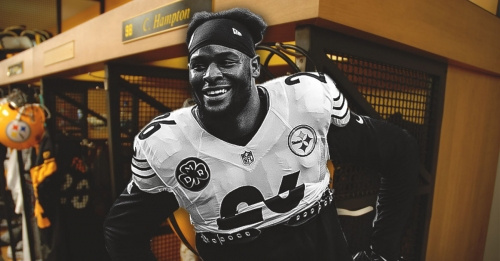 Steelers teammates raid Le'Veon Bell's locker after he fails to report