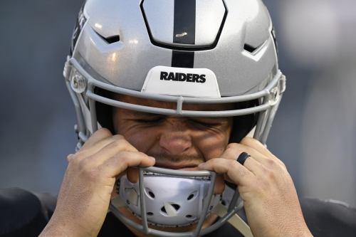 Assessing latest `What the heck was that?' decision from Raiders' Derek Carr