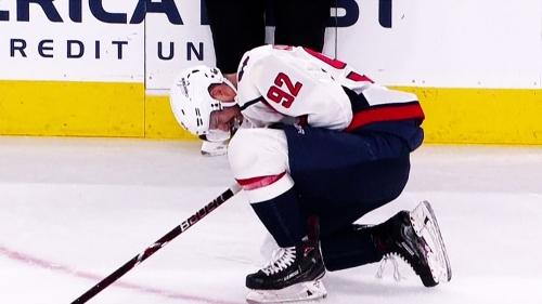 Capitals' Evgeny Kuznetsov leaves game vs. Jets with injury