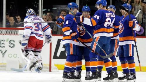 Beauvillier scores 3, Islanders hold off Rangers