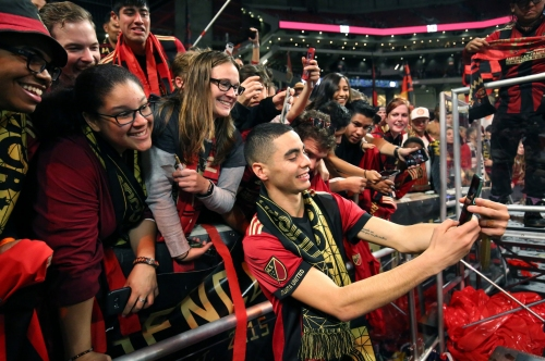 Newcastle asked to be kept in loop about Miguel Almiron's transfer to Arsenal
