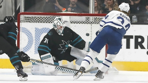 Maple Leafs come through for Patrick Marleau in win against Sharks