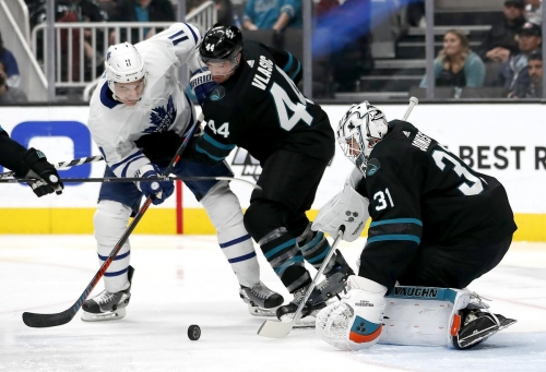 Bruce Arthur: Game Centre: Speedy Leafs skate away from Shark tank with win