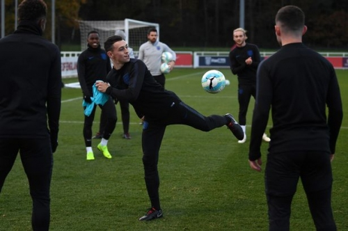 Former Man City forward sends Phil Foden a transfer message
