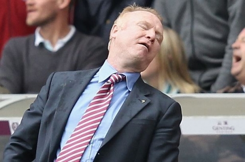 Former Aston Villa and Birmingham City boss Alex McLeish blasted by pop star