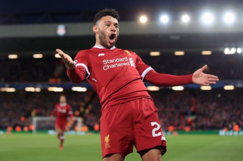 Liverpool's Alex Oxlade-Chamberlain issues huge injury update - and dig at Arsenal