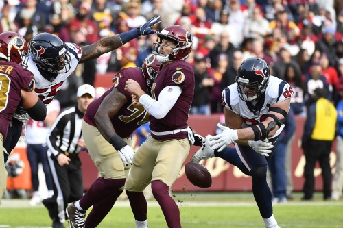 Washington QB Alex Smith carted off after suffering injury