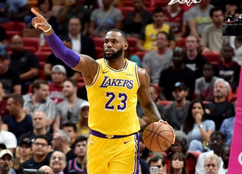 LeBron James Torches Heat For 51 Points To Set Lakers Up For Winning Record On Road Trip