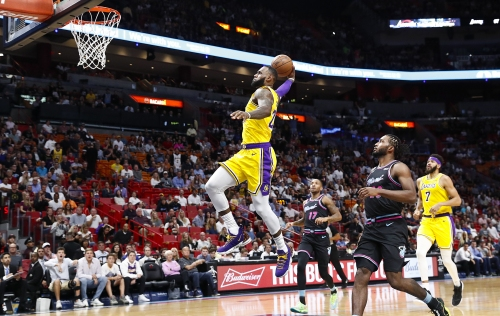 Behind LeBron James' 51 points, Lakers roll past Miami Heat
