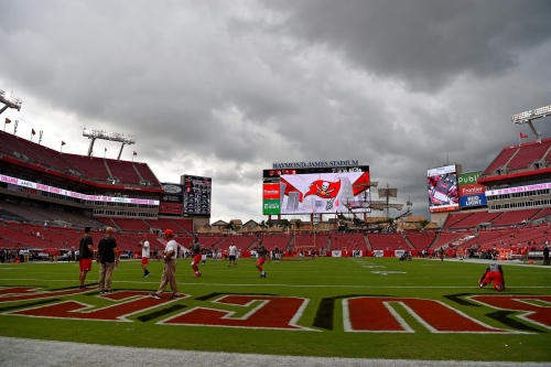 49ers open as field goal underdog to Bucs, slight movement early