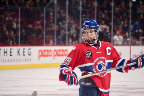 Marie-Philip Poulin, Hilary Knight lead Les Canadiennes to sweep in Worcester