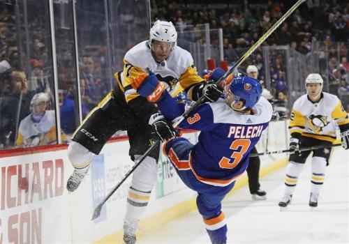 Penguins center Matt Cullen out 'longer term' after injury in Ottawa