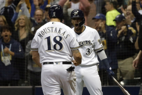 Report: St. Louis Cardinals possibly interested in Mike Moustakas