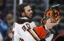 Ducks' Ryan Miller poised to tie John Vanbiesbrouck for most wins by U.S.-born goalie