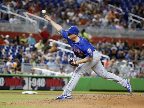Cardinals sign reliever Beck to minor-league deal