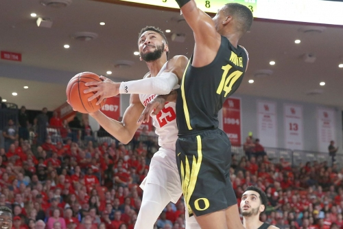 (18) Oregon drops second straight in 65-61 loss to Houston