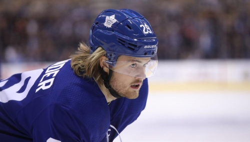 Leafs Nylander and Kapanen unhurt in minor car accident