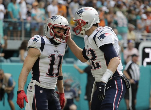 Tom Brady, New England Patriots put up big numbers, lead Dolphins, 27-21 at halftime