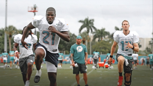 Dolphins RB Frank Gore becomes fifth all-time in NFL history in yards from scrimmage