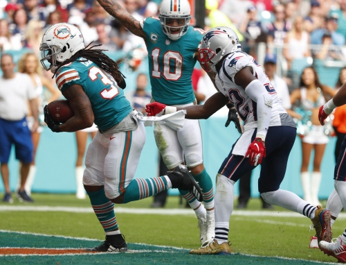 Patriots stunned 34-33 on final play at Miami, fail to clinch AFC East title