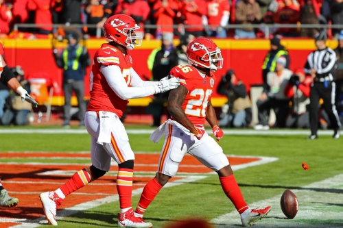 Damien Williams had more snaps than Spencer Ware vs. Ravens