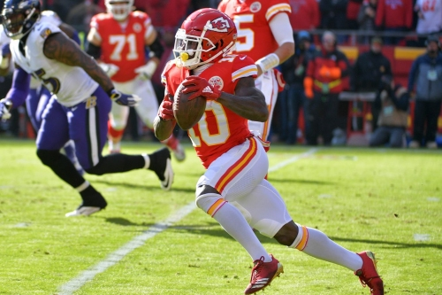 Andy Reid and the Chiefs talk about injuries, resilience, and big plays in the win against the Ravens