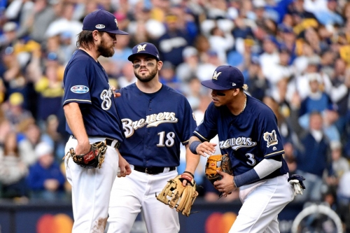 Milwaukee Brewers are open to reunions with Wade Miley, Mike Moustakas