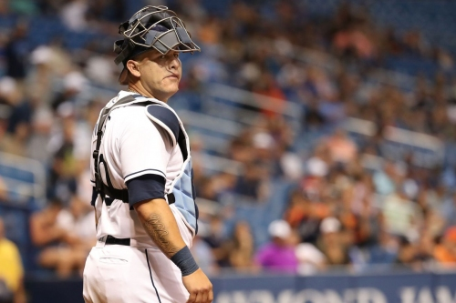 Report: Brewers meet with free agent catcher Wilson Ramos