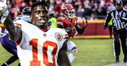 Chiefs' Tyreek Hill running and cutting at practice ahead of Chargers game