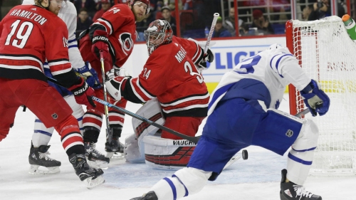 Nylander leads Maple Leafs to win over Hurricanes