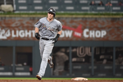 Braves are 'slight favorites' to land J.T. Realmuto, Mets and Yankees also involved