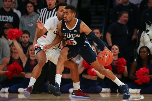 Wildcats' second half surge bury Huskies, Villanova wins 81-58