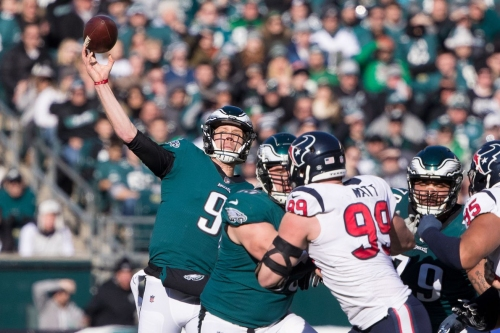 Nick Foles torches Texans defense to keep Eagles' playoff hopes alive