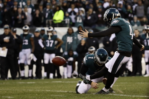 Eagles superan a Texans y siguen con vida