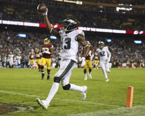 Foles guía a Eagles a playoffs tras ganar 24-0 a Redskins